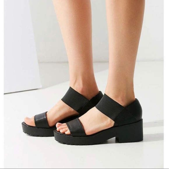 5f18f026678 Urban Outfitters Black Jaycen Sandals. M 5bde5e083e0caad853bf7d48